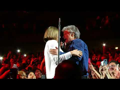 """Bed Of Roses (Dances With Fan & Sings In Our Section)"" Bon Jovi@Newark, NJ 4/7/18"