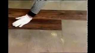 Укладка ПВХ плитки на пол(В ролике подробно описаны все этапы укладки напольной ПВХ плитки: - Подготовка и обработка грунтовкой основ..., 2013-07-09T14:52:03.000Z)