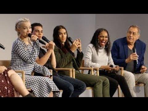 Descendants 2 Cast Interview with Dove Cameron, Cameron Boyce, Booboo Stewart, China Anne