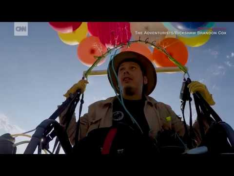 Man uses party balloons to float 15 miles