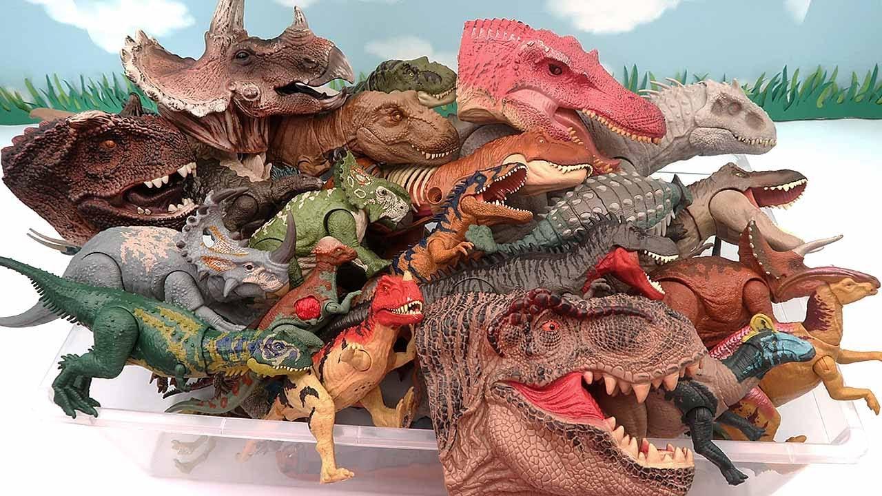 DINOSAUR BOX - Jurassic World Dinosaur And Dinosaur Head Puppet. T-Rex, Ankylosaurus