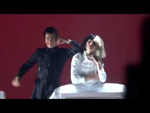 Sia - Reaper (Las Vegas 2016) Maddie Ziegler