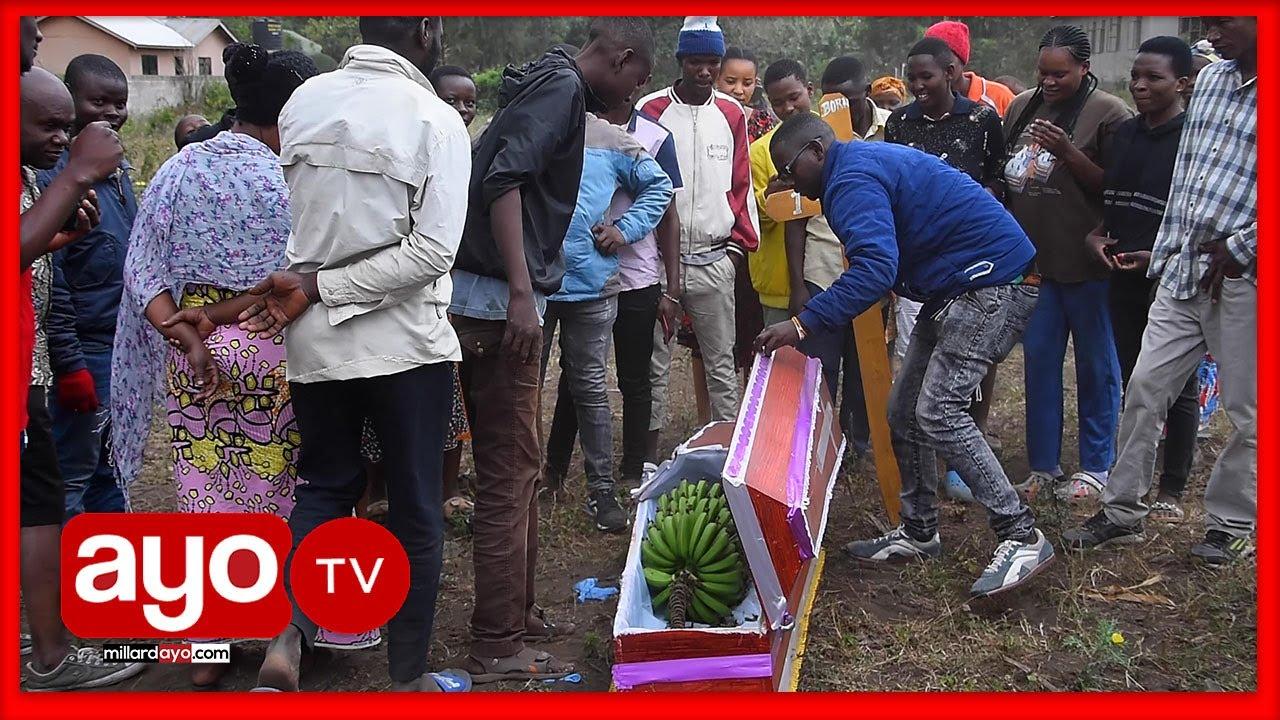 Download JENEZA LAKUTWA ARUSHA LIKIWA NA MKUNGU WA NDIZI, GARI LA POLISI LAGOMA KUWAKA