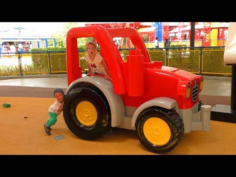 Леголенд Дубай Парк развлечений для детей София Выиграла Гигантский Подарок Сюрприз для детей