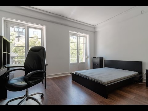 Room in Lisbon, close to Instituto Superior Técnico - Accommodation in Alameda