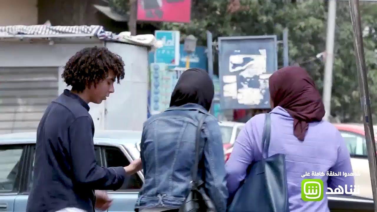 طفل يحاول إقناع الناس بشراء هاتف مسروق في مصر فهل استجاب الناس؟