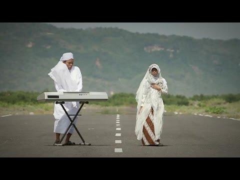 DAHSYAT !!!  Sangat Menyentuh, FATAMORGANA  By THE Q / Dona & Sigit Baskara ,  official video