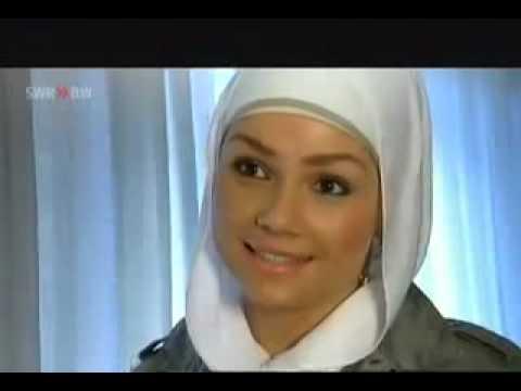 Khalid bei den Schwiegereltern – RebellComedy | WDR von YouTube · Dauer:  3 Minuten 14 Sekunden