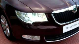 Skoda Superb Features - Head Light Washer, Sun Roof, Auto RV Mirrors