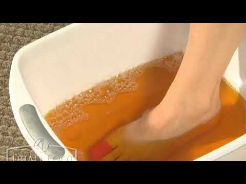 Soak Your Feet In Apple Cider Vinegar. The Results Will Amaze You!