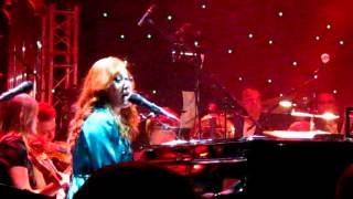 "Tori Amos sings ""Our New Year"" live in Warsaw, Poland w/ orchestra -13th October 2012"