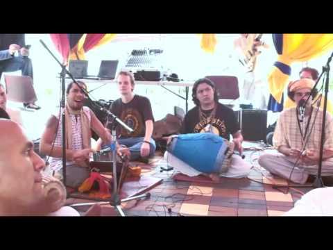 Bhajan - KulimeLA Day 1 - Visvambhar das (1/11)