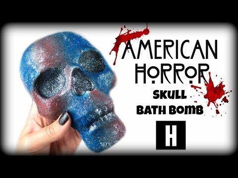 """HARPER HOMEMADE COSMETICS - """"American Horror"""" Skull Bath Bomb Halloween Demo & Review in Jetted Tub"""