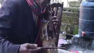 Yo dajuko mirmire aankha: Nepali song on sarangi