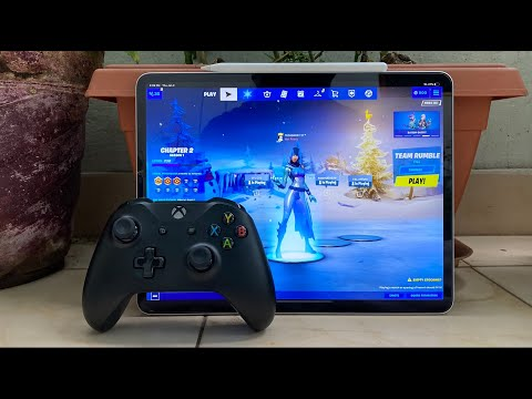 Playing Fortnite MOBILE With Xbox Controller On IPad Pro And IPhone.