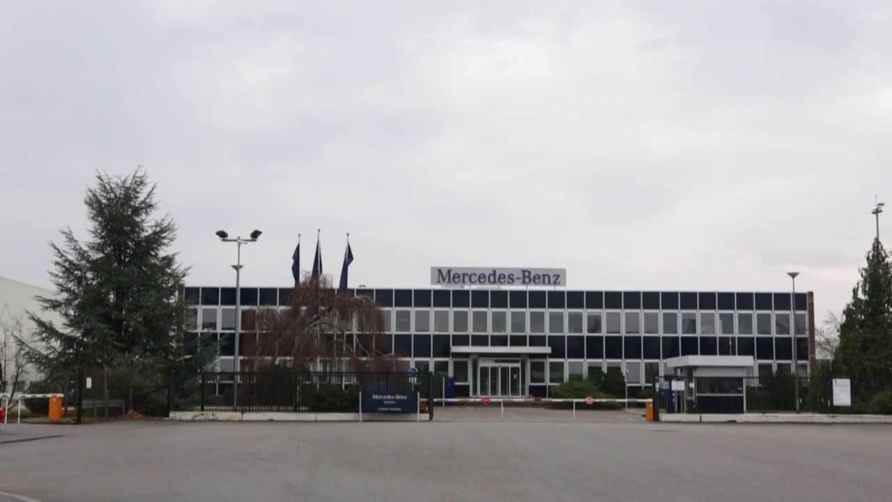 mercedes benz custom tailored trucks site de molsheim l 39 usine youtube. Black Bedroom Furniture Sets. Home Design Ideas