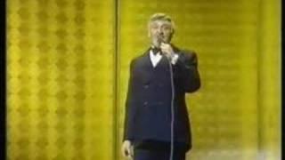 Frankie Laine sings High Noon