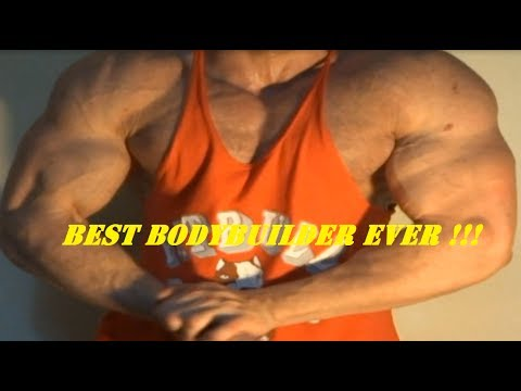 TheStreetFlexer GIANT MUSCLEGOD FLEXING MUSCLES HARD