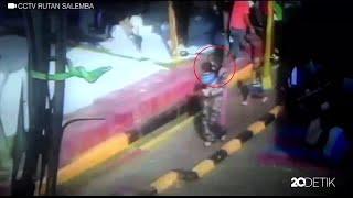 Download Video Ini Video CCTV Saat Anwar Kabur dari Rutan Salemba MP3 3GP MP4