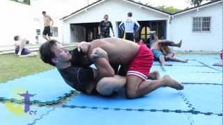 Outdoor no-gi training in Brazil: Rolling with Alexandre Pequeno