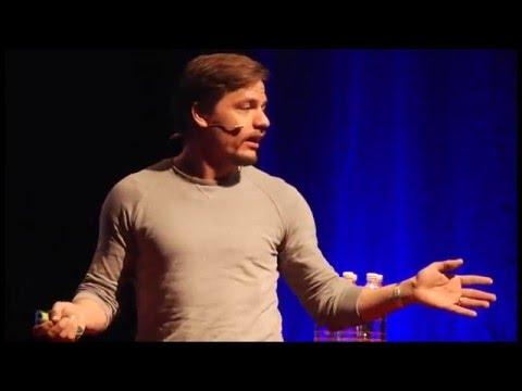 Rohkeuden ja tyhmyyden rakennuspalikat   Tuomas Peltomäki   TEDxYouth@Kolmikulma