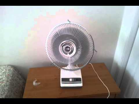 Vintage 1989 Galaxy By Lasko 12 Oscillating Table Fan 2150