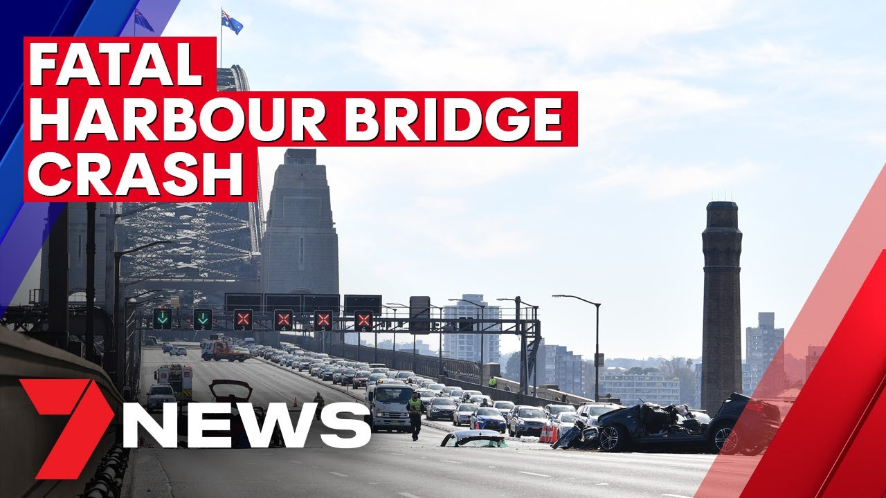 Sydney Harbour Bridge: Woman killed in horror crash as traffic chaos stretches across city | 7NEWS