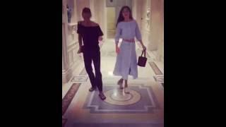 Dakota e Grace dançando em atualização no Instagram
