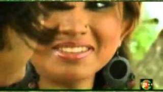 hi sexy are they kissing bangla music video 2010 www keepvid com