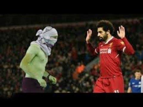 Bu kişi birden bire Muhammed Salah'ın önünde belirdi ve beklenmedik şeylere imza attı ..!!