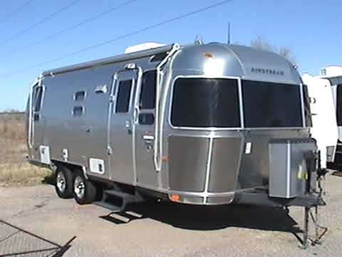 used airstream trailer 39 06 25ft youtube. Black Bedroom Furniture Sets. Home Design Ideas