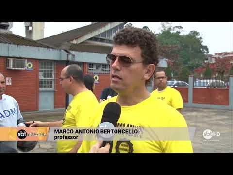 Professores do CEDUP de Joinville fazem plantão para receber inscrições