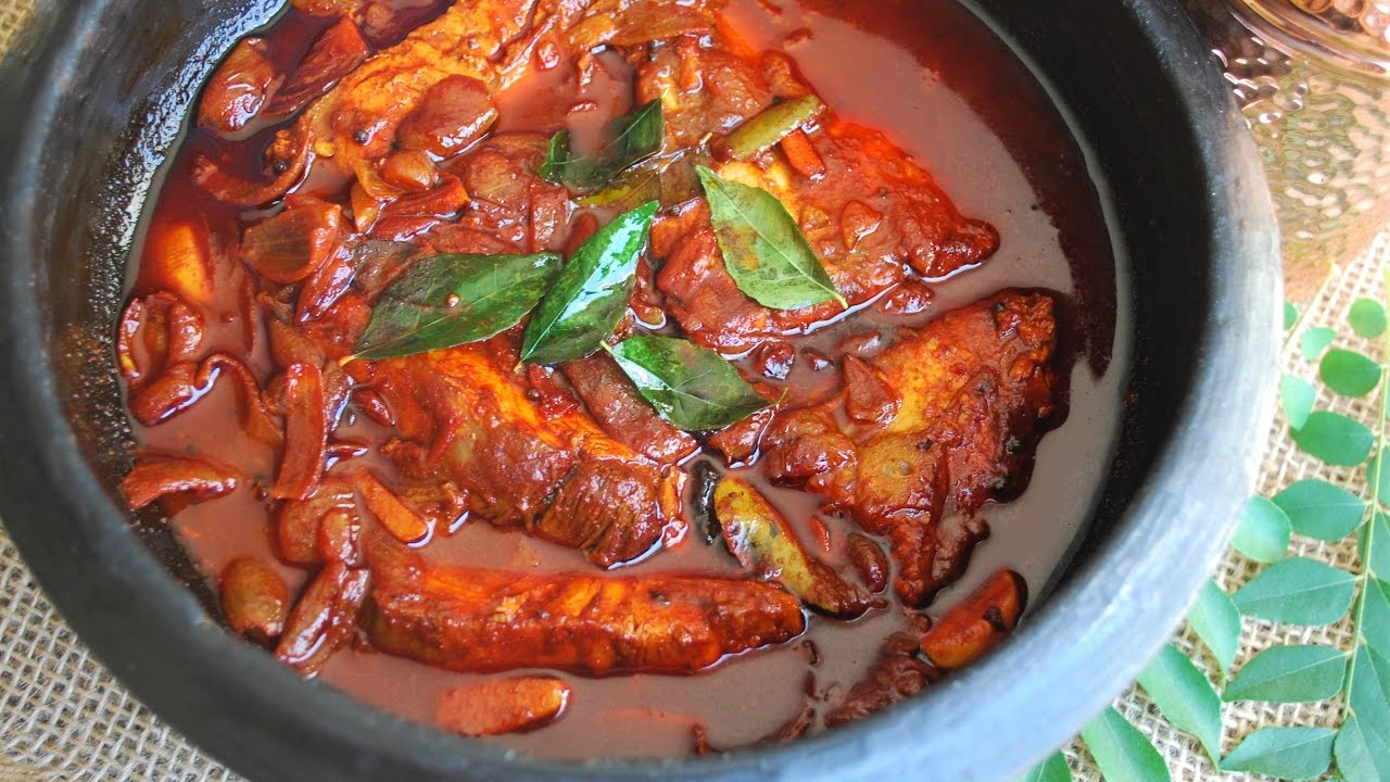 Kerala Fish Curry - Kottayam Style (Meen Curry) - YouTube