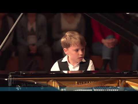 Ryan Bradshaw Haydn piano concerto D Dur 1st part Vivace