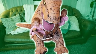 T-REX BABYSITS TWIN GIRLS **SUPER FUNNY**