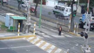Cruce de Tren Ligero -  Cuidado con el tren