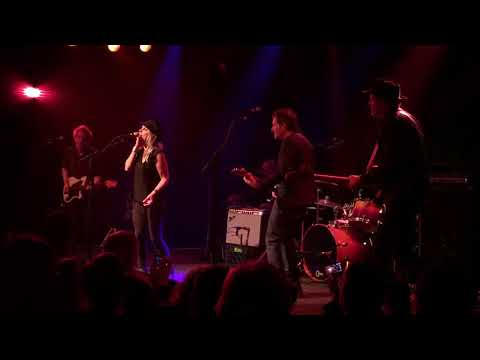 DREAM SYNDICATE with KENDRA SMITH -