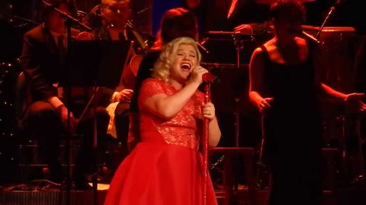 Kelly Clarkson - Every Christmas - Nashville Dec 20 2014 - YouTube