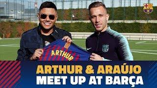 Arthur and Brazilian singer Felipe Araújo meet up in Barcelona