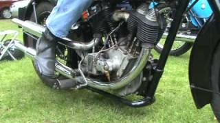 HOW LONG KICK STARTING A VINTAGE V TWIN J.A.P. MOTOR BIKE ENGINE