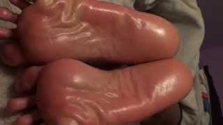 ebony soles\u0026toes|scrunch\u0026toe spread oiled