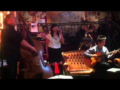 Yakusoku wa Iranai [Acoustic Live] - Iwao Junko (at Dernier Bar, Paris, 2013/09/29)