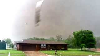Repeat youtube video Close up of Oklahoma's May 20, 2013 F5 Tornado