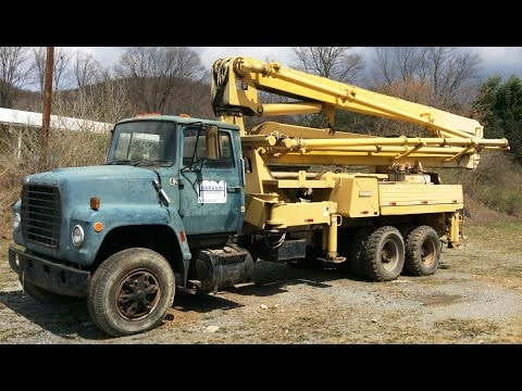 1979 Ford F8000 with1980 cement pump boom