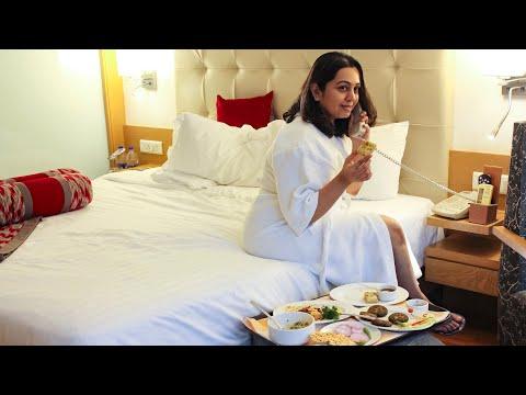 WEEKEND STAYCATION at Radisson Hotel Mumbai Goregaon | Food, Room Tour, Spa & more