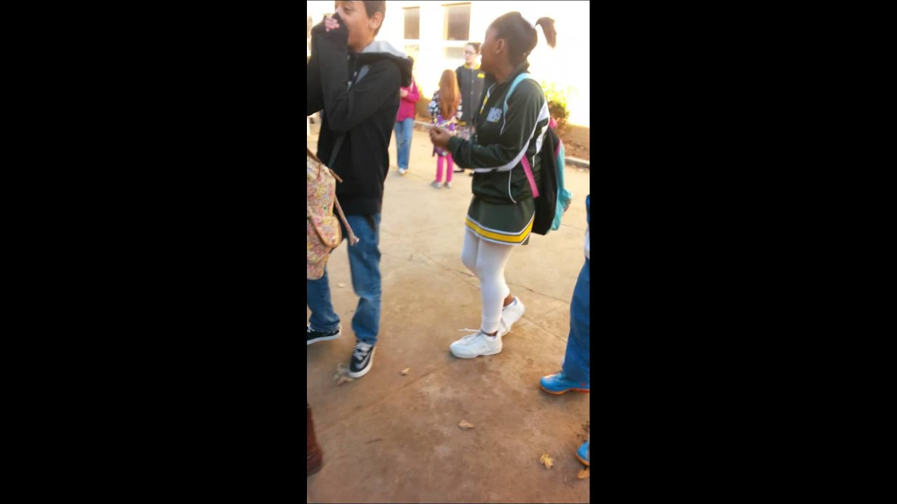 Girls kissing in middle school xxx video