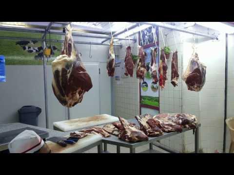 Biggest Beef Meat Market Souq Riyadh Saudi Arabia - YouTube
