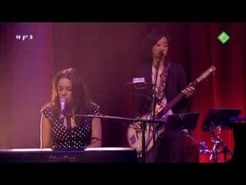 09. Norah Jones -  Rosie's lullaby  (live in Amsterdam )