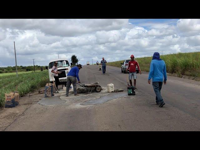 ALTERNATIVOS DE ITAMBÉ GOIANA REALIZAM TAPA BURACOS NA PE 75