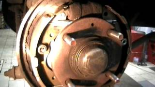 hyundai Matrix/Хендай Матрикс как поменять колодки,как отрегулировать ручник/replacement pads